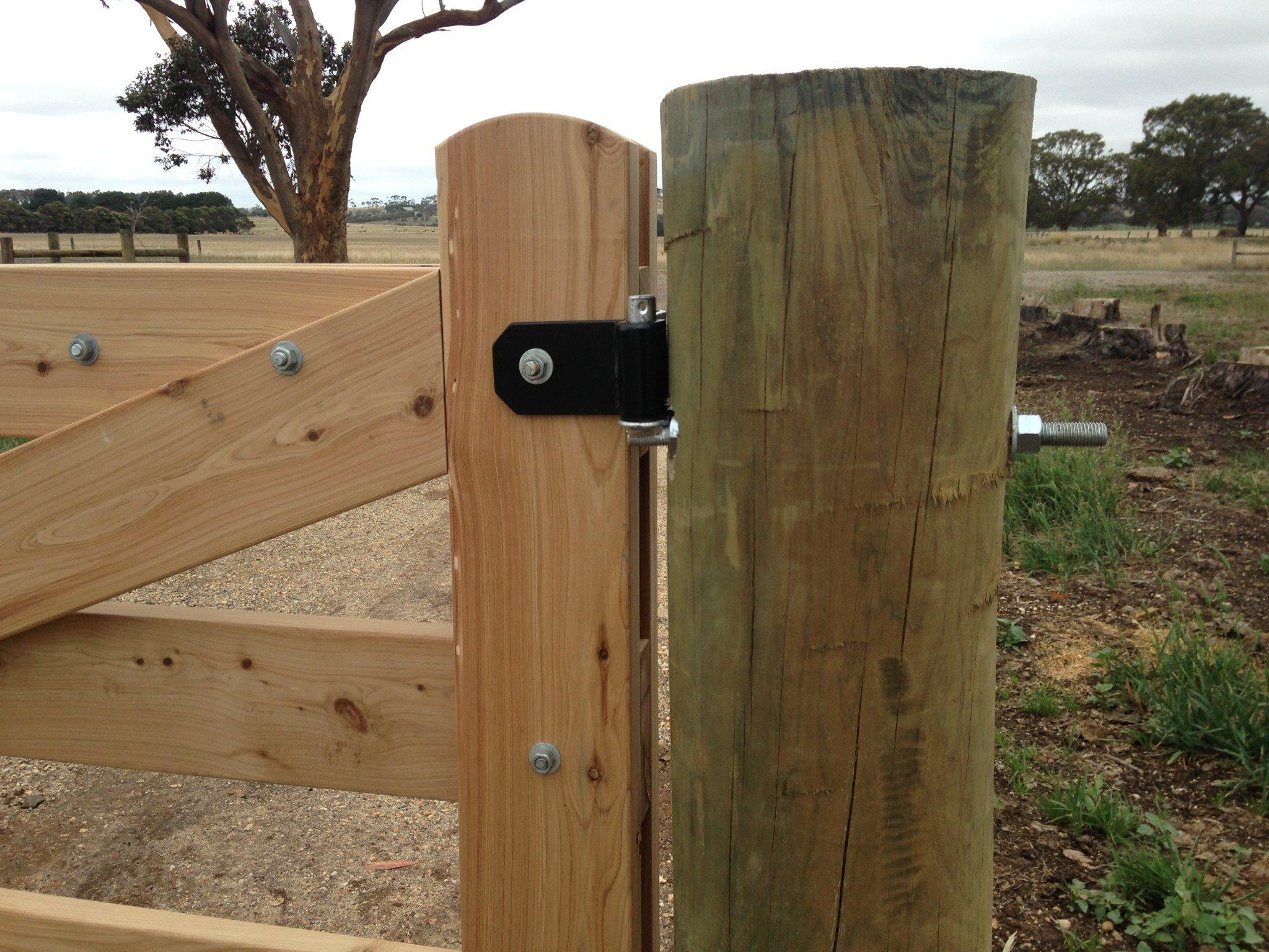 Barn door strap hinges - Rear View Of Powder Coated Corner Eye Strap Hinge